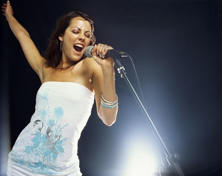 какая певица самая великая